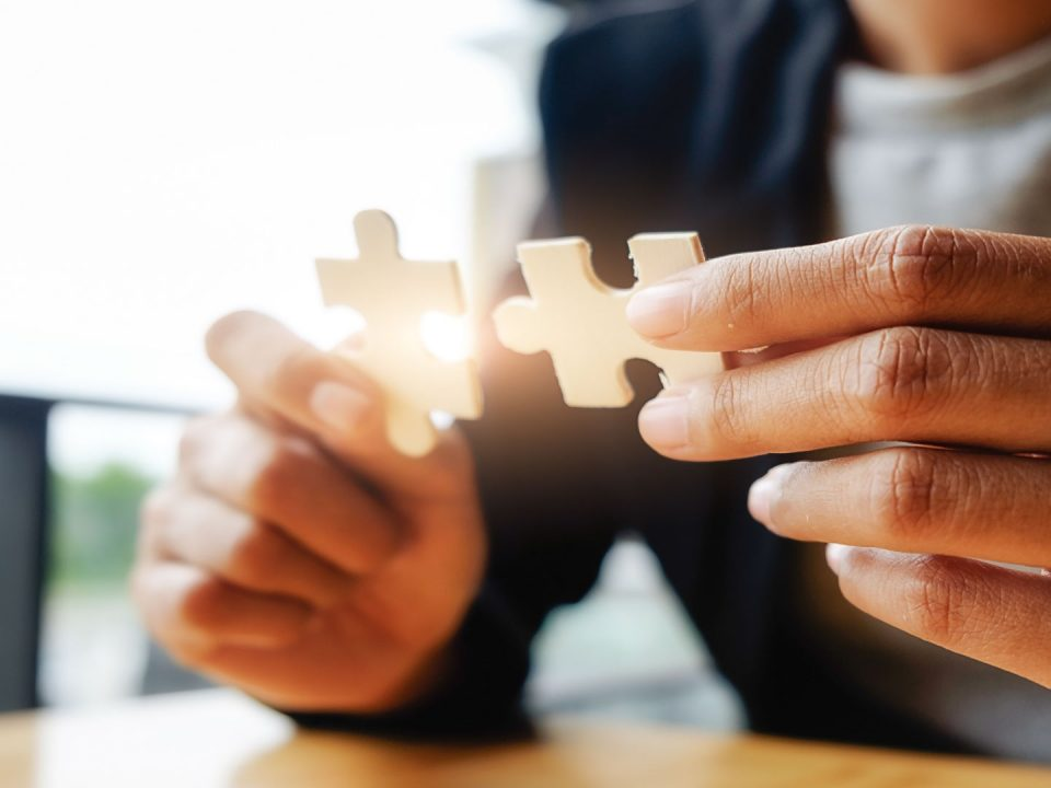 Sociedade entre escritórios de advocacia – é a melhor opção