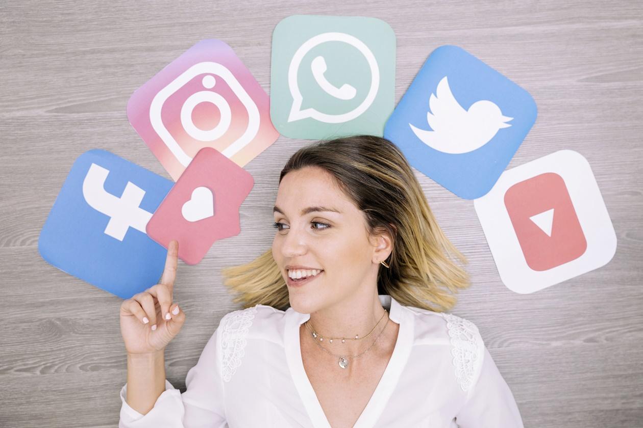 Redes sociais a favor do advogado easycase